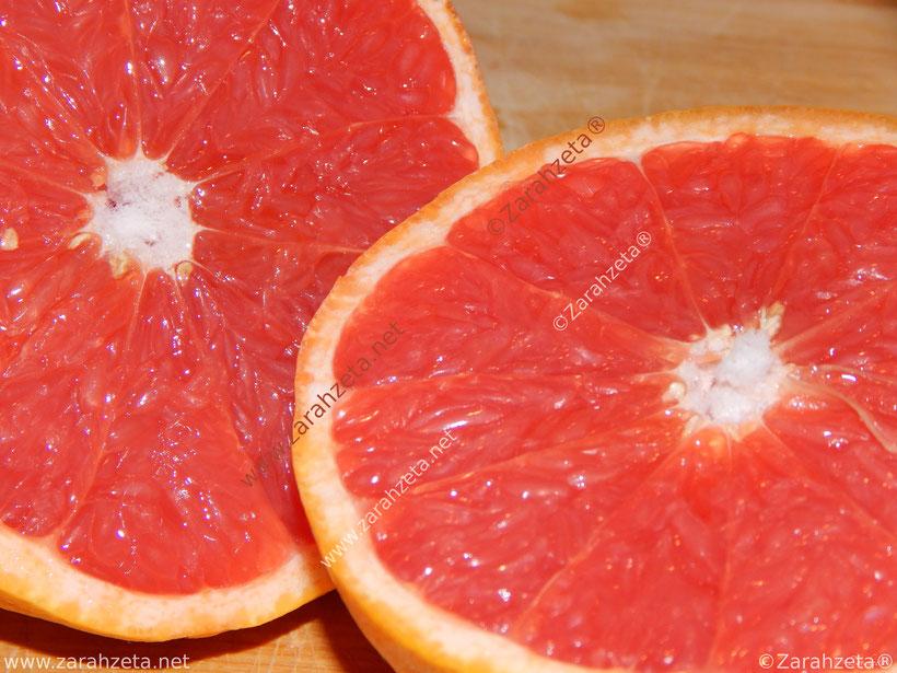 Aufgeschnittene Rote Grapefruit