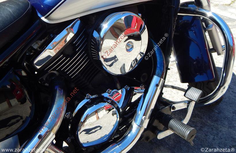 Zarahzetas urbane Fotografie mit Motorrad