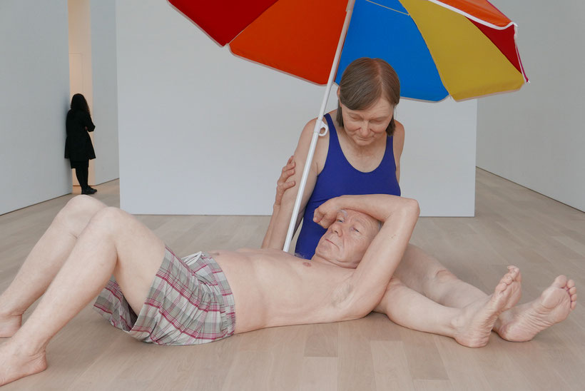 Ron Muck (geboren 1958): Couple under an Umbrella (2013), Foto: Ulrike Grafberger