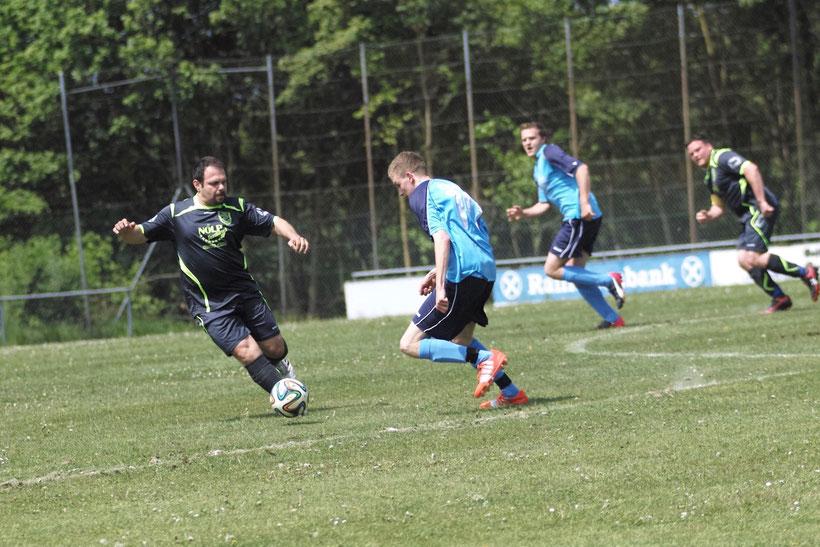 Dreierpack: Alexander Herbst brachte die SG nach einem zwei Tore Rückstand wieder in die Siegesspur. Die Spielgemeinschaft belegt einen passablen 6.Platz im zweiten Jahr. Super Leistung Jungs!