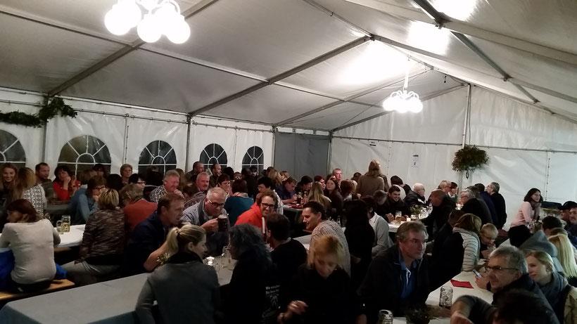 FULL HOUSE: Die Kirchweih in Wörnitz 2016 war ein voller Erfolg. Nicht nur für den Fußballverein. Auch kulturell gesehen war es für die gesamte Gemeinde eine mehr als gelungene Veranstaltung.