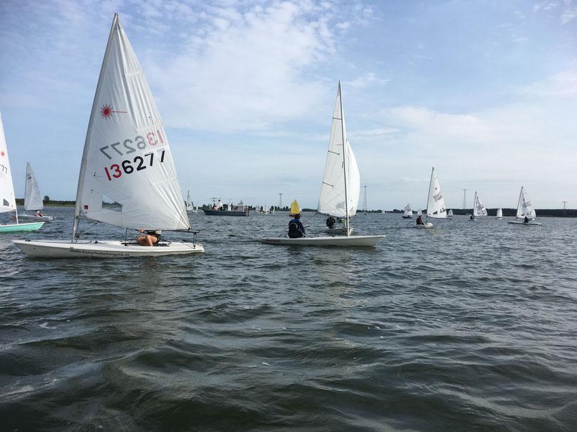 Insgesamt gingen 51 Boote in verschiedenen Klassen an den Start