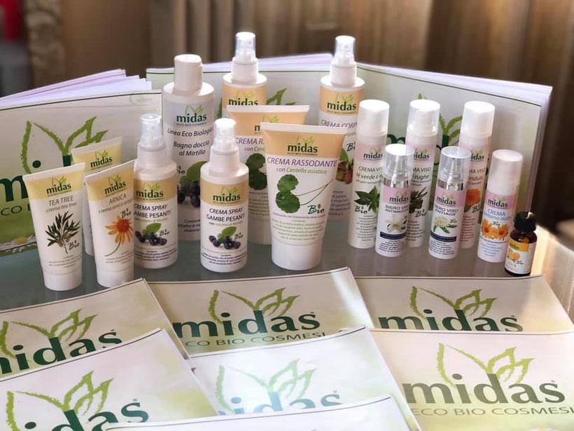 Si possono acquistare i prodotti Midas presso il mio studio o ordinarli online sul sito www.midascosmesi.it  con lo sconto del 10% applicando il codice sconto Laviadelbenesserecliente