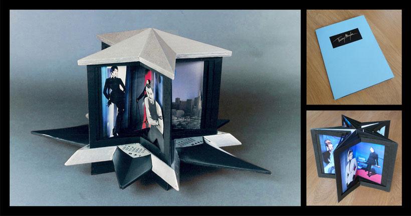 A droite : Livret 3D (ouvert et fermé)