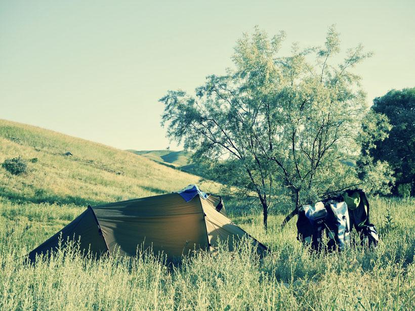 Zeltplatz kurz vor der kirgischen Grenze