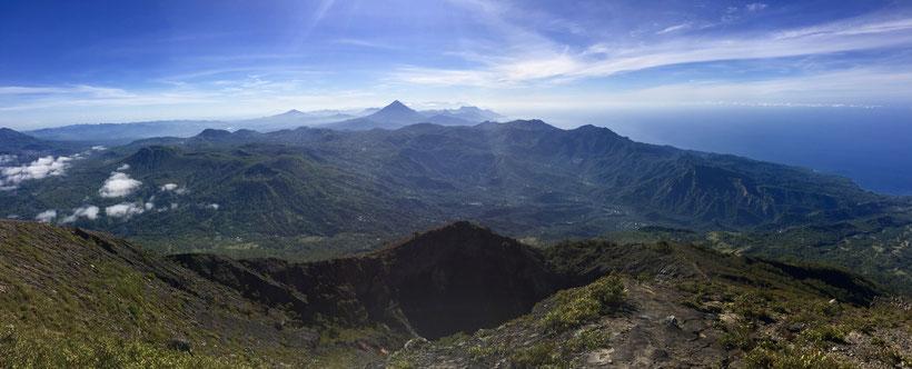 Vulkan Inerie (vorne im Bild)