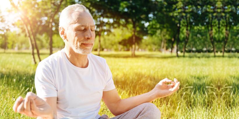 Meditation, Yoga und Entspannung hilft bei Reizdarm-Problemen