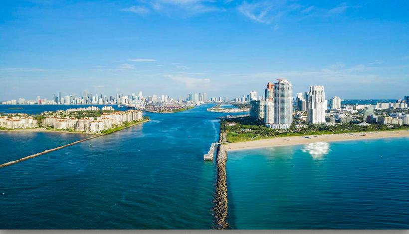 Einfahrt für die Ozeanriesen Hafen Miami