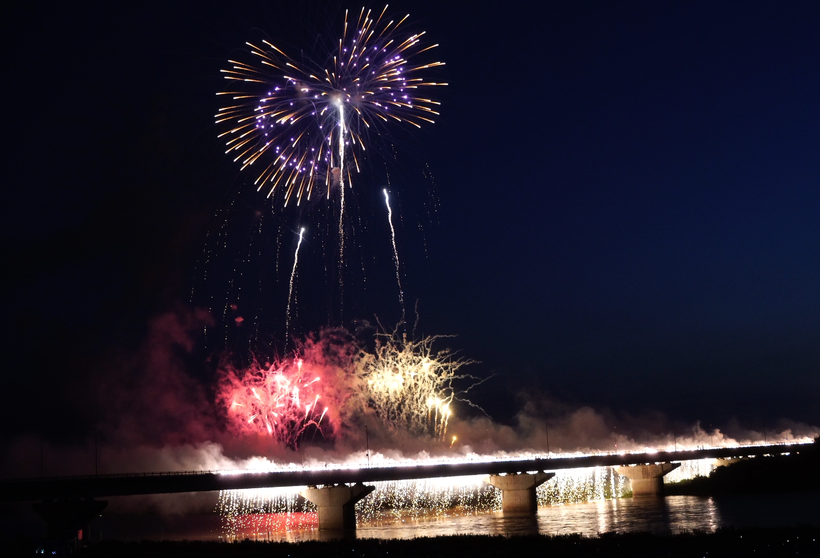 "#miyajima #hiroshima #fireworks #hanabi #fogos_de_artifício #japão #noite #festival #santuário #itsukushima ""jinja #shinto #cascata #niagara"