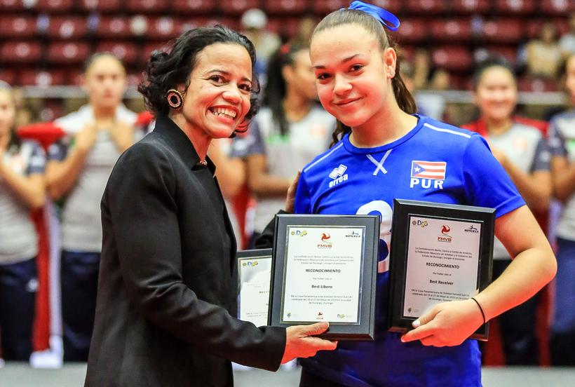 Kiaralyz Perez de Puerto Rico recibió tres reconocimientos como la Mejor Libero, Mejor Receptora y Mejor Defensa. / Foto por NORCECA