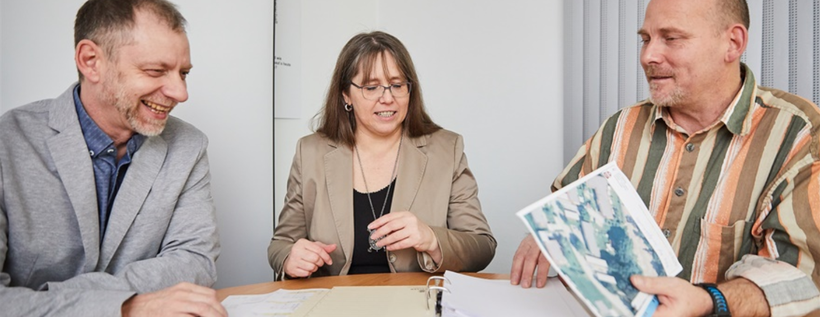 Der Vorstand der Baugenossenschaft Bruckmühl im Gespräch
