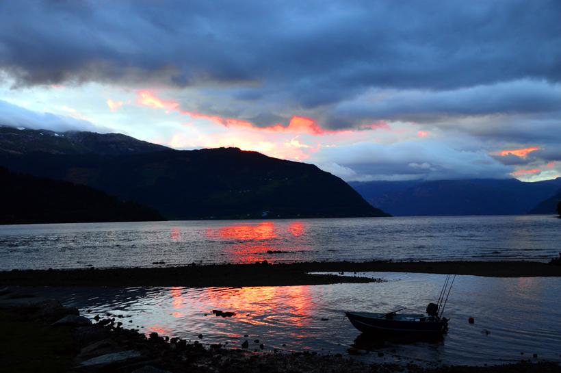 Sonnenuntergang Kinsarvik in Norwegen