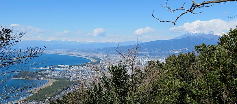 鷲頭山山頂より(沼津、千本松原・富士山・南アルプス)