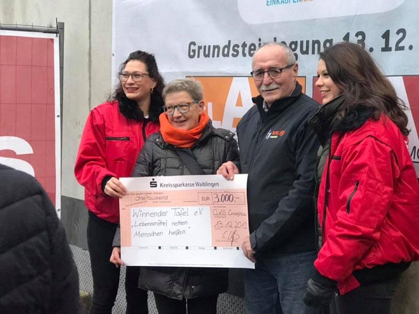 CLASS Hausbau + Immobilien spendet anlässlich Grundsteinlegung des Holzmarkt Carree an die Winnender Tafel