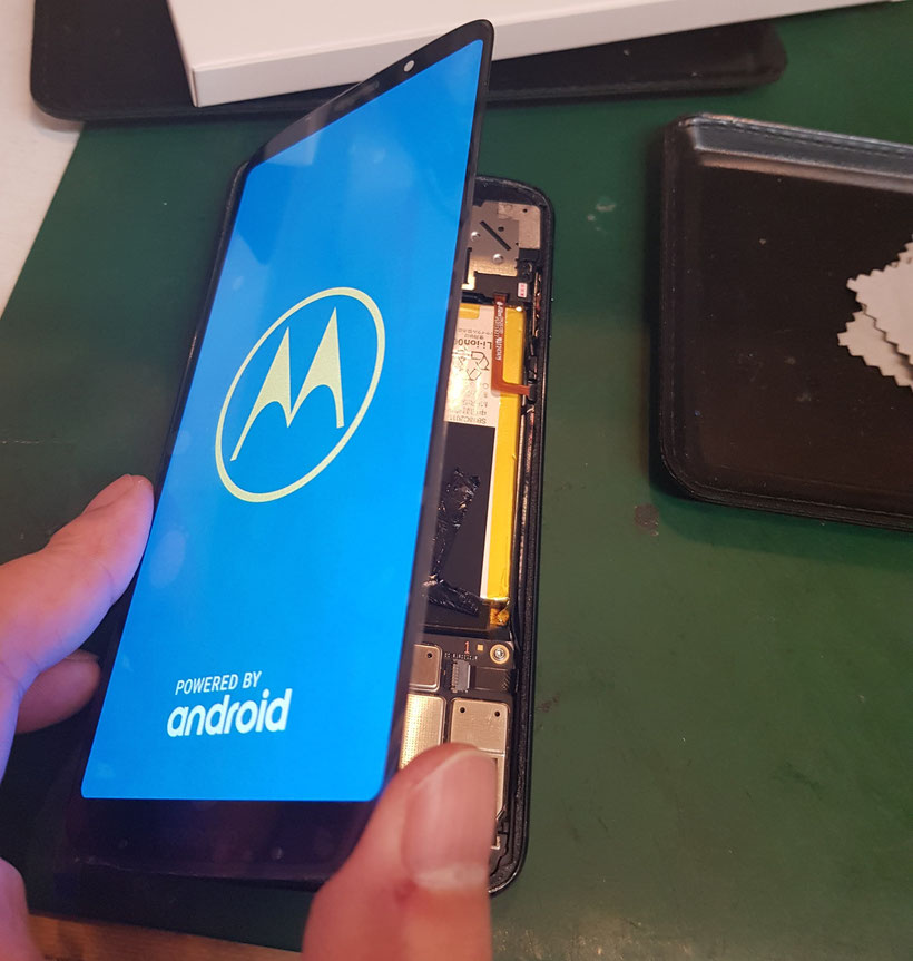 Motorola Z3 PLAY画面修理