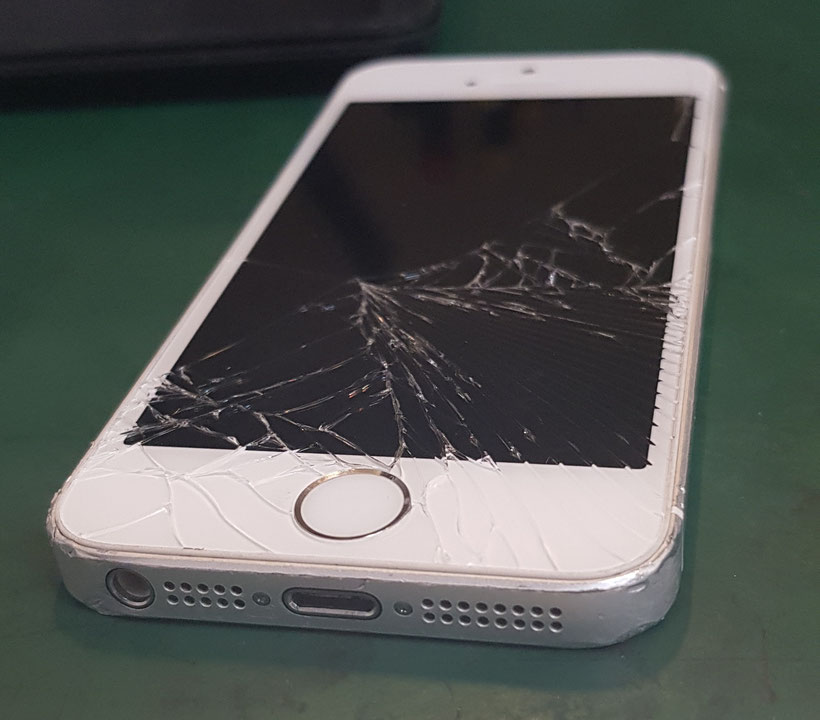 iPhoneSE画面割れ