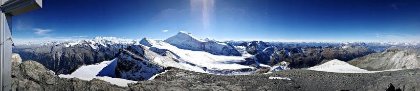 Gipfel des Barrhorn, Weitblick über die Walliser Alpen