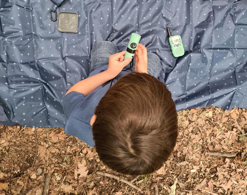 Kompaktes 7-in-1-Outdoor-Tool zum Forschen