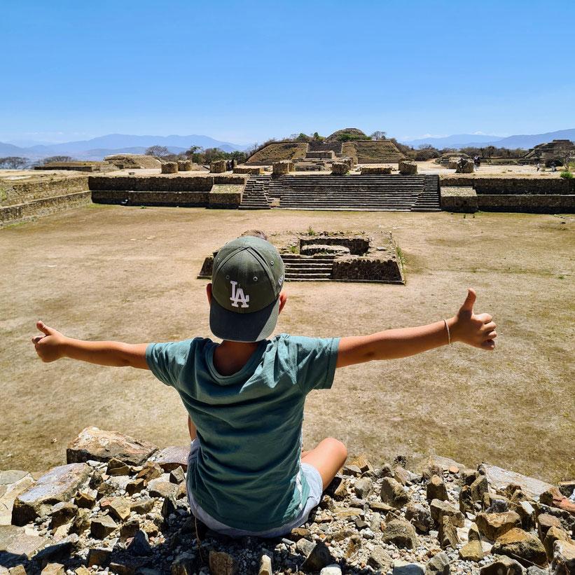 Monte Alban Oaxaca Kind