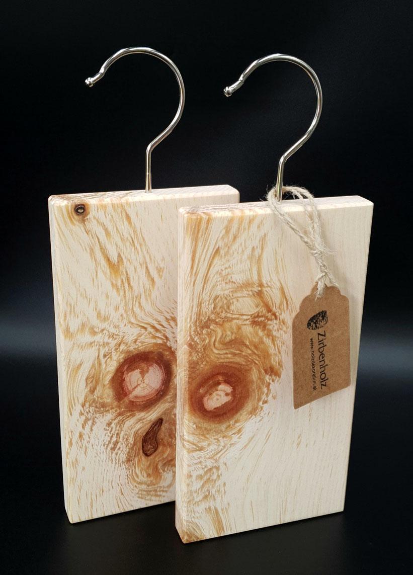 Mottenschutz aus Zirbenholz - natürlich und biologisch gegen die Kleidermotten!