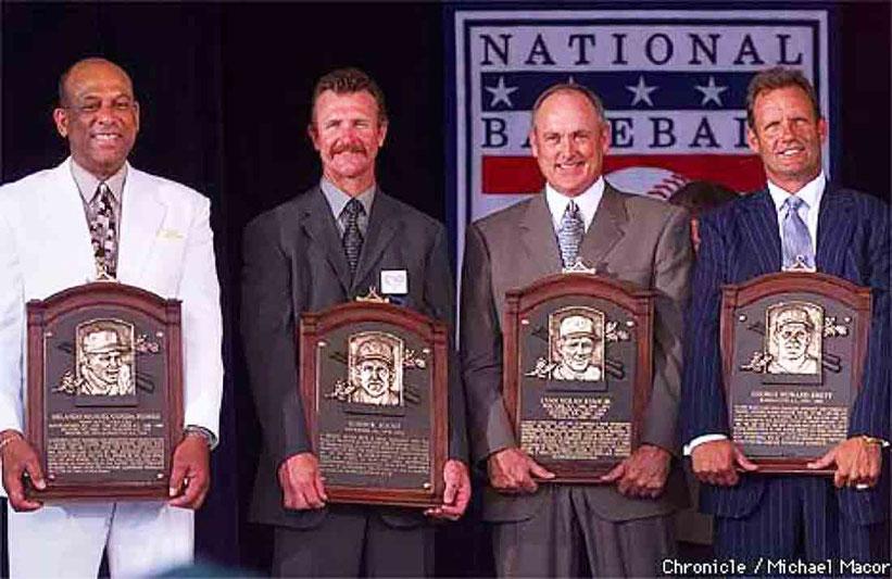 Orlando Cepeda, primero a la izquierda en la foto fue exaltado al Salón De La Fama en Cooperstown hace 20 años