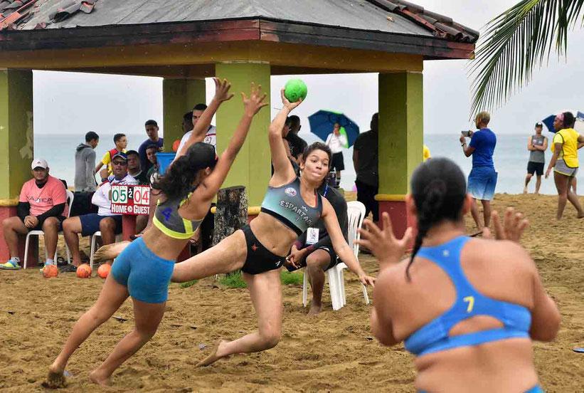 Las Espartanas de Guaynabo terminaron +1 en diferencia de Set y le dio el Campeonato / foto por Comisión de Balomano de Playa