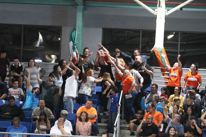Las Changas seguro tendrán apoyo nuevamente esta noche en el Coliseo Antonio R. Barceló por sus seguidores / foto por Heriberto Rosario Rosa