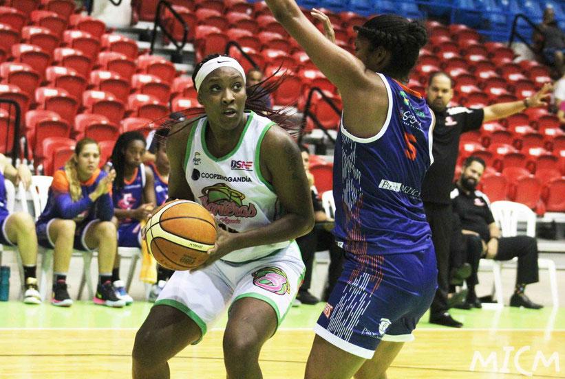 La'Sonja Edwards se destacó por Aguada con 24 puntos / Foto por BSNF