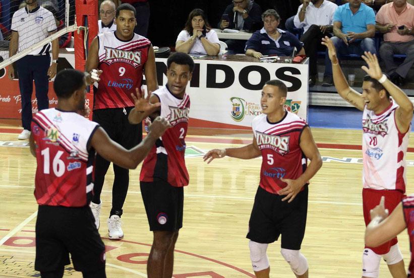 Con el triunfo de anoche en la Liga de Voleibol Superior Masculina (LVSM), los Indios de Mayaguez vuelven a desplazar del segundo puesto a los Mulos de Juncos / Foto por Heriberto Rosario Rosa