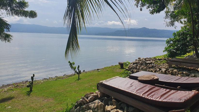 Lake Bostumwi (Lake Bosumtwe), Ghana