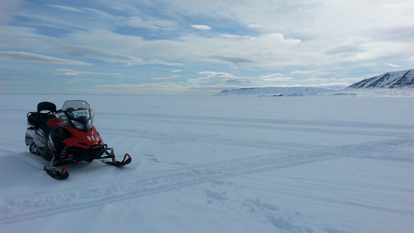 Schneemobil-Tour auf Spitzbergen
