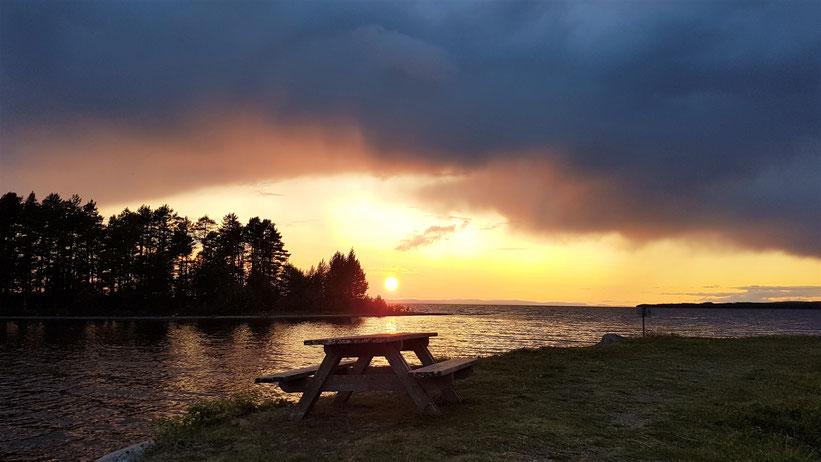 Väternsee Sonnenuntergang overland Travel Camping #ProjektBlackwolf Schweden Skandinavien wolf78  explore without no limits roadtrip offroad Overlandingnomads Dachzeltnomaden wolf78-overland.ch