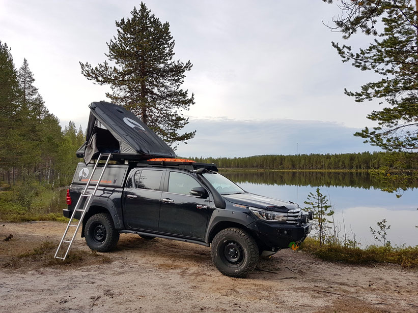 Schweden Dachzeltnomaden Vanlife Toyota Hilux Frontrunner outfitters #ProjektBlackwolf wolf78-overland.ch Welstalpen off road asseccoires tires AFN4x4 Rival4x4 Alu-cab James Baroud Discovery BFGoodrich wolf78 sirio sirtel cb antenna schweiz 2016 2017 Revo