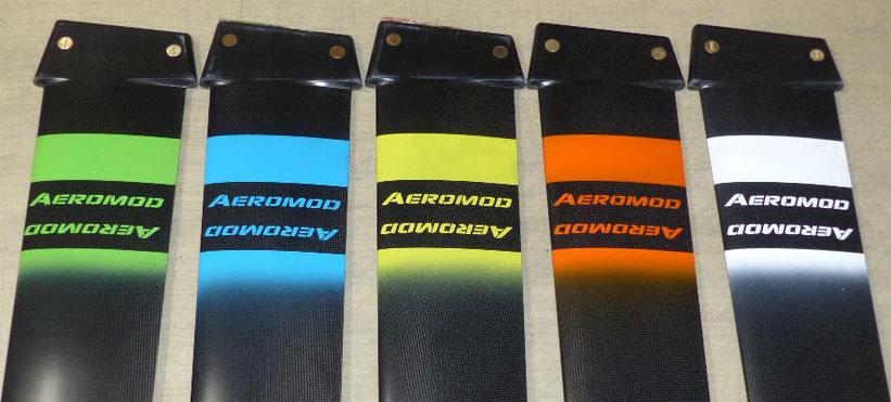 les 5 couleurs du windfoil aeromod v2 sont le vert pomme, bleu turquoise, jaune primaire, orange vif, blanc