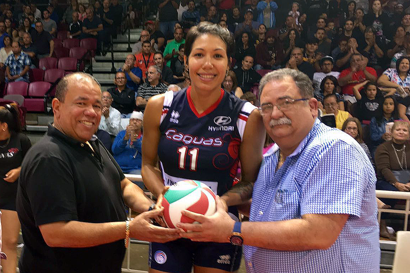 El Dr. Trabanco, Presidente de la FPV, a la derecha en la foto, confia en que esta temporada de la LVSF será una de alto nivel / foto por Heriberto Rosario Rosa