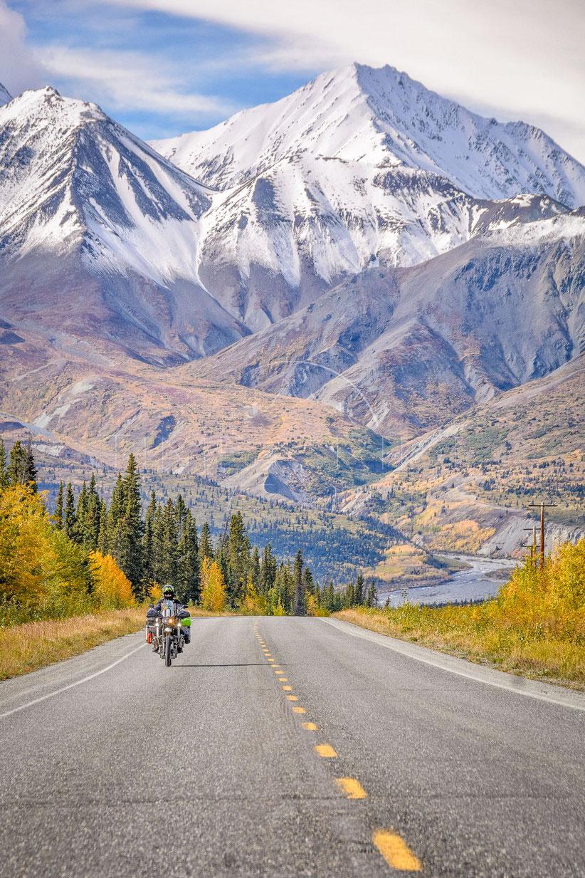 Change of Seasons | Jahreszeiten im Wechsel | Alcan Highway | Yukon | Canada | Motorrad-Abenteuer-Fotografie | Motorcycle ADV Photography | Poster & Leinwände