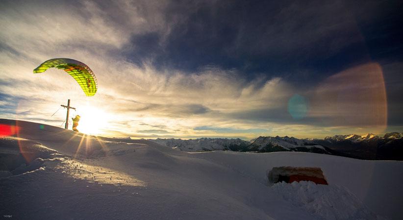 Sunset der Superlative rechts bein biwak für die nacht in der Schneewächte...