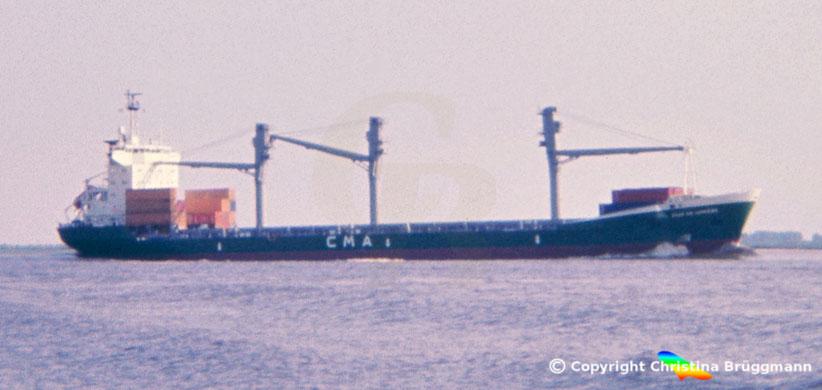 Rickmer Typ RW49 Containerschiff VILLE DE LUMIERE auf der Elbe 1985