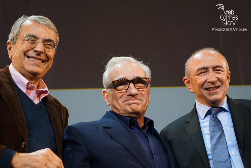 Martin Scorsese, entouré de Jean-Jack Queyranne et  Gérard Collomb - Clôture du Festival Lumière 2015 - Lyon  - Photo © Anik COUBLE