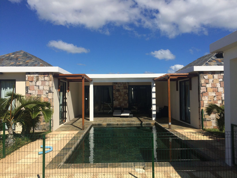 Maison a vendre ile maurice grand baie avie home for Campement a louer a grand baie avec piscine
