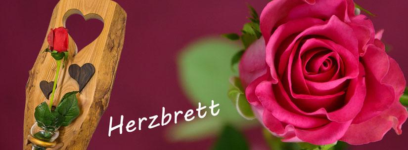 Herzdekoration mit Rosenblüte rot, Nussbaum Holz Schweizer Holz