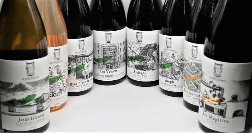 Nos vins sont des hommages aux bons-vivants de tous temps. Chaque cuvée porte le nom et l'histoire d'une anecdote gastronomique.
