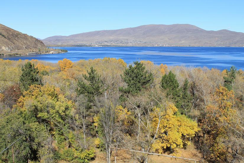 Der Sewan-See im Oktober.