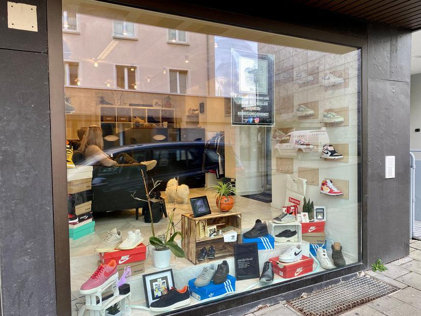 Vor Ort Abgabe Sneaker deine Sneaker Reinigung!