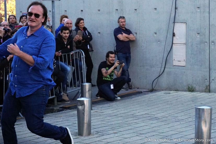 """Quentin Tarantino, dirigé par Catherine Deneuve, lors du remake de """" Sortie d' Usine """" - Festival Lumière - Lyon - Octobre 2016 - Photo © Anik Couble"""