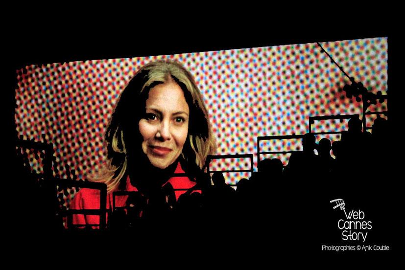 Le public dans les gradins de la Halle Tony Garnier, lors de la projection du film « Tout sur ma mère » - Clôture du Festival Lumière - Lyon - Octobre 2014 - Photo © Anik COUBLE