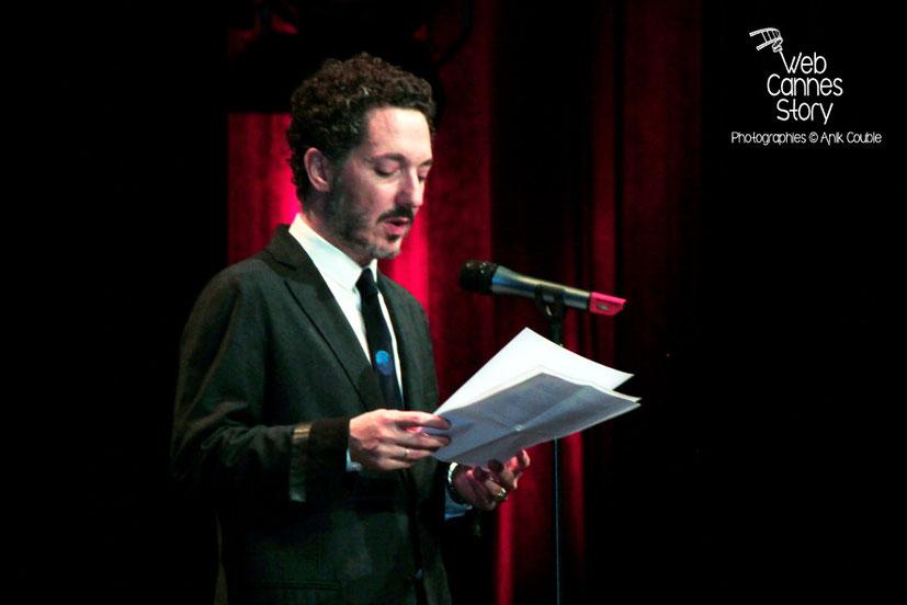 Guillaume Gallienne, lors de la remise du Prix Lumière à Pedro Almodovar - Festival Lumière - Lyon - Oct 2014 - Photo © Anik COUBLE