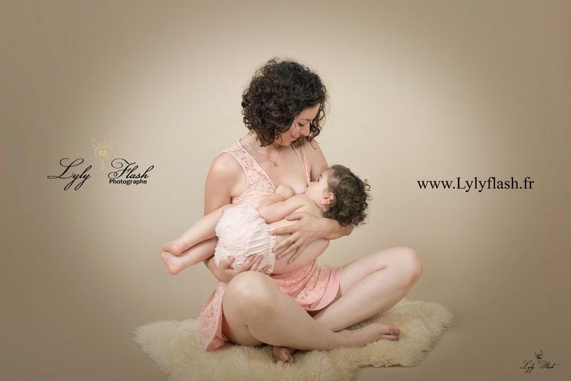 photographe allaitement bébé var