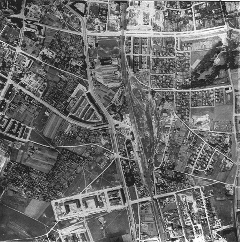 Weissenseestraße 7 - 15, Luftbild vom 08.06.1945. Foto: © Stadtarchiv München, Neg.Nr. R 2926/I/13a