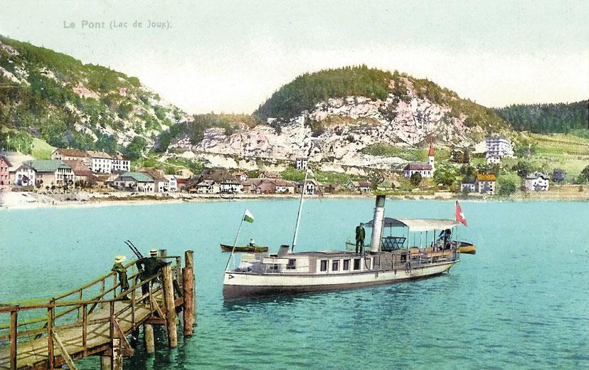"""""""Le Caprice"""" (Das Vergnügen), das erste Boot dieses Namens, ein wunderschönes kleines Dampfboot das auf den """"blauen"""" Gewässern des Lac de Joux von 1889 bis 1912 navigierte"""